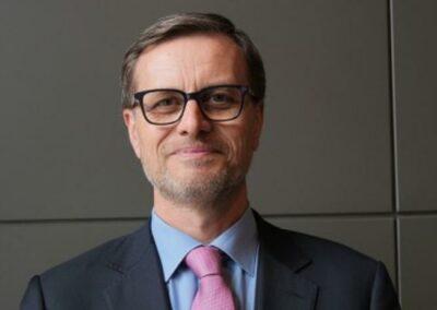 Interview d'Olivier Brochet, Directeur de l'AEFE